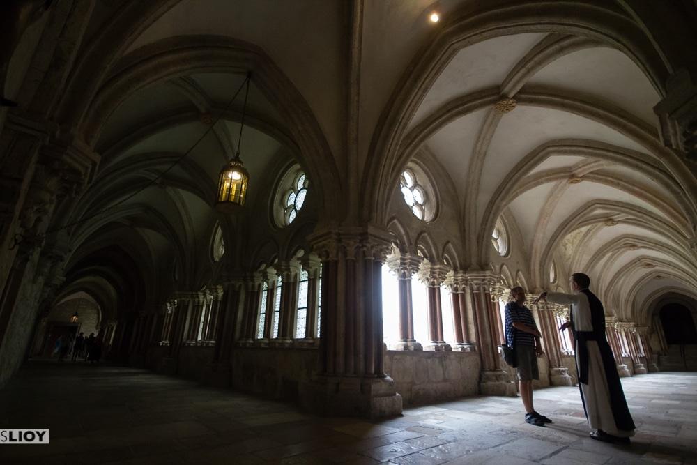 Monk-guided tour in the Heiligen kreuz Abbey in Austria's Vienna Woods