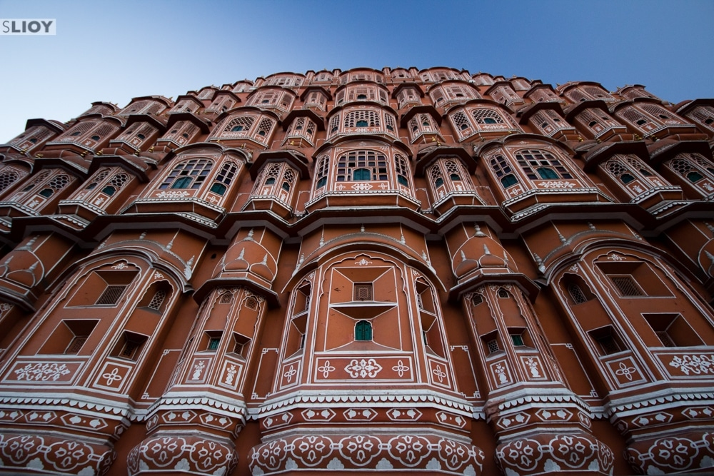 exterior of the hawa mahal jaipur palace of wind