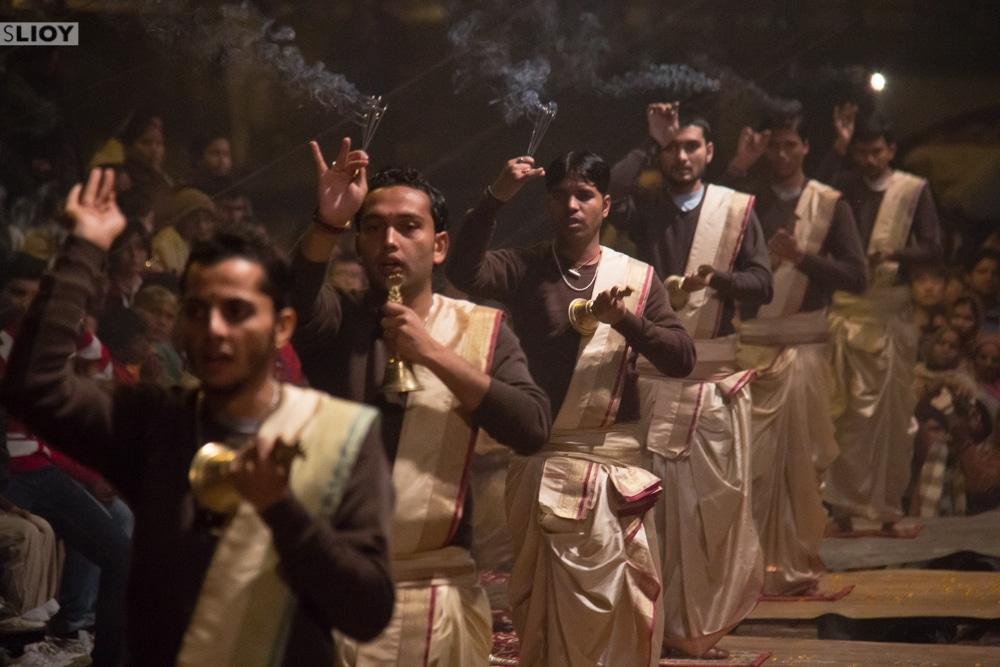 dashaswamedh ghat varanasi ganga aarti ceremony